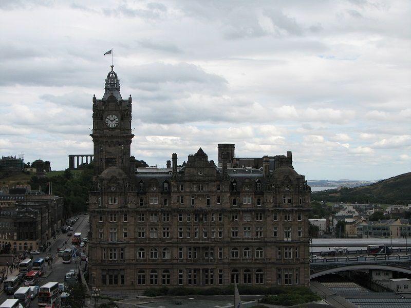 Эдинбург (Edinburgh). Вид с монумента Скотта